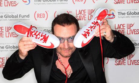 آل استار ایدز کمپین all-star AIDS campaign که قرار است فردا، سه شنبه و به مناسبت روز جهانی ایدز آغاز شود، از مردم دعوت می کند تا با اهدای ۱۰ دلار به سازمان خیریه ی قرمز یا رِد RED، شانس خود را برای به دست آوردن یک جایزه رویایی بیازمایند.