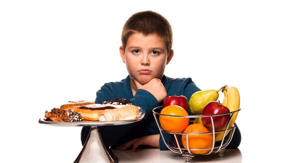 خوردن غذاهای سالم و ورزش منظم میتواند برای کنترل فشار خون بالا و کلسترول بسیار راهگشا باشد.