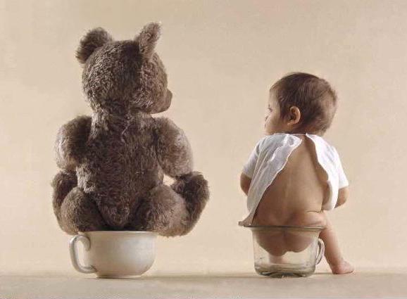 در کودکان، به خصوص خردسالان، اسهال ممکن است به سرعت منجر به کمآبی شود