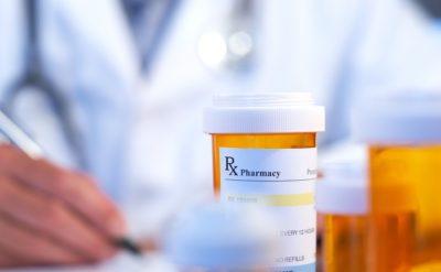 داروهای مورد استفاده در درمان سرطان پستان و شرایط دیگر، مانند تاموکسی فن (Soltamox) و رالوکسیفن(Evista)، شاید برای برخی از مردان مبتلا به ژنیکوماستی مفید باشند.
