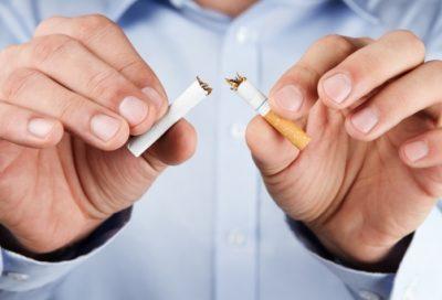 سی دی سی؛ مرکز کنترل و پیشگیری بیماری ها در آمریکا می گوید، شتاب ِ روند نزولی استعمال دخانیات در سال ۲۰۱۵، دو برابر نیم قرن گذشته بود. به گزارش این مرکز، مصرف سیگار و فرآورده های تنباکو، اصلی ترین دلیل ابتلا به بیماری های قلبی- عروقی و سرطان ها ست و کاهش چشمگیر ِ شیوع آن در آمریکا از بزرگترین دستاوردهای بهداشتی جهان است.