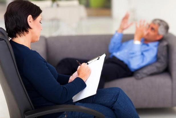 رواندرمانی ممکن است در جلسات فردی، در گروهدرمانی و یا در جلساتی با حضور اعضای خانواده و یا حتی دوستان انجام شود.