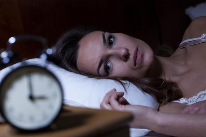 """تقریبا همه ما تجربه ناخوشایندی از بدخوابی نخستین شب در محیط ناشناس آن، داریم و حالا نتیجه یک تحقیق در دانشگاه براون ایالت رودآیلند آمریکا، از معمای """"بد خوابیدن در شب نخست"""" پرده برداشته است"""