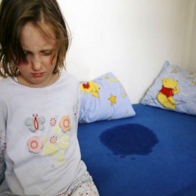 ملافهها و لباس خواب خیس صحنهای آشنا در بسیاری از خانههاست. اما ناامید نشوید. این فقط بخش طبیعی از رشد کودک است