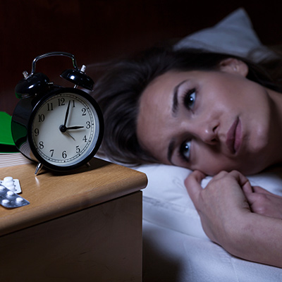 اختلال خواب، از جمله بیخوابی و یا خواب بیش از حد