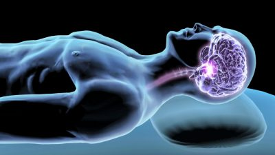 چند سال قبل استیون گلدمن و مایکن ندرگارد از دانشگاه راچستر در نیویورک، متوجه حرکت مایع مغزنخاعی در فضای خالی اطراف رگهای مغز شدند. آنها همچنین دریافتند که سلولهایی که به نام آستروسیت معروفند زائده هایی به داخل این فضا میفرستند. سلولهای آستروسیت، به طور معمول نقش حفاظتی بافتهای عصبی را به عهده دارند. این محققین با تزریق رنگهای مخصوص در بافت زنده مغز حیوانات ، و استفاده از میکروسکوپهای بسیار حساس دریافتند که سلولهای آستروسیت پروتیینهای غیر مفید و سمی را ، از بافتهای عصبی گرفته و از طریق زائده هایی یاد شده، آنها را به داخل فضای خالی اطراف رگهای مغز تخلیه میکند. این مواد سپس توسط مایع مغزی- نخاعی از بافتهای عصبی دور شده و در نهایت به داخل خون ریخته و توسط کبد و کلیه تصفیه میشوند. این فرآیند را سیستم «گلیمفاتیک» نامیدند.