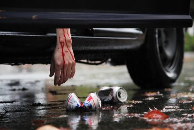 سه دلیل اصلی مرگ نوجوانان در آمریکا، تصادف، قتل و خودکشی است. هر سه این موارد، با سؤمصرف مواد مخدر رابطه مستقیم دارد. اطمینان حاصل کنید که از محل رفت و آمد فرزندان نوجوان تان اطلاع دارید و به آنها آگاهی کافی از خطرات رانندگی در حالت مستی یا پس از مصرف مواد مخدر و روانگردان داده اید.